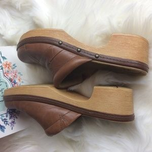 Clarks Collection Cushion Soft Clogs
